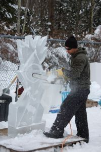 sculpted ice works holiday ice carving demonstration